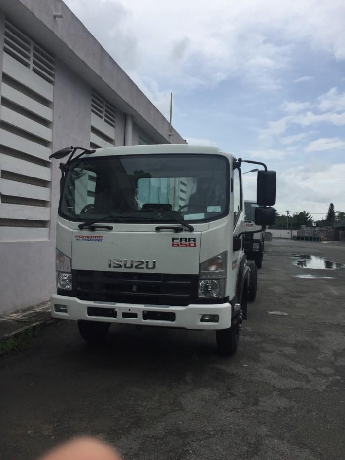 Xe tải ISUZU FRR90NE  6,5 tấn, màu Trắng