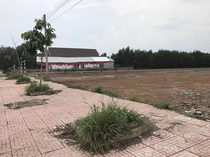 Bán đất Q.9 mặt tiền đường Trường Lưu, Q9 TP.HCM