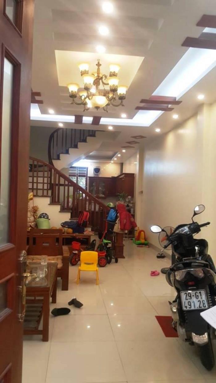 Nhà riêng 5 tầng phố Văn Cao – Liễu Giai - Kim Mã, 41m2, lô góc, ô tô đỗ cách 25m