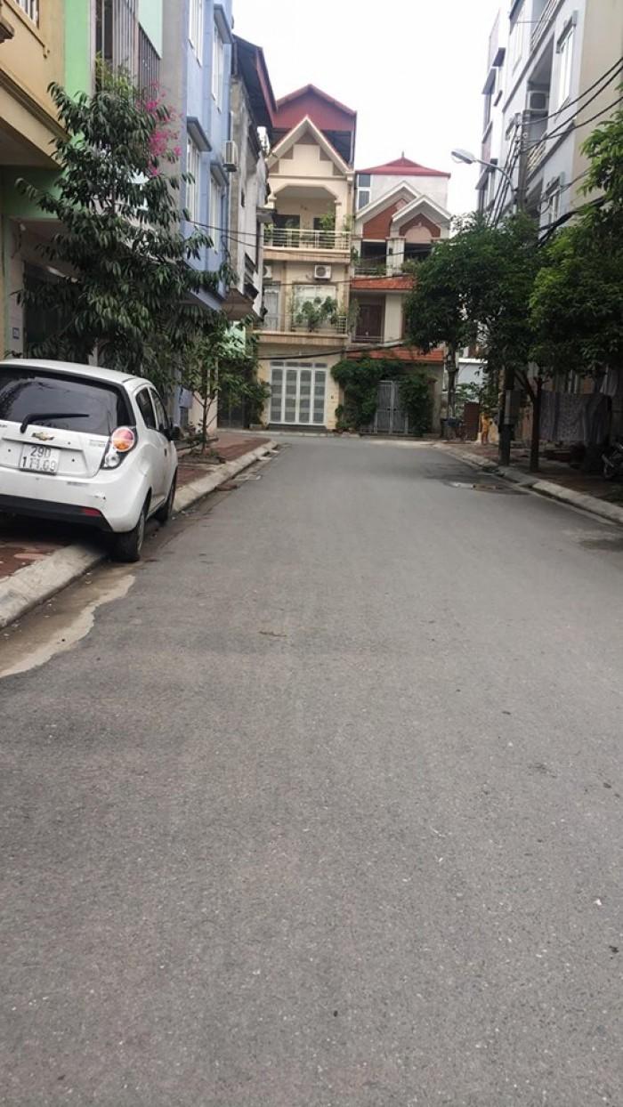 Bán đất trục chính đường nhựa mặt đường T, Học Viện Nông Nghiệp Việt Nam, Trâu Quỳ, Gia Lâm, Hà Nội.