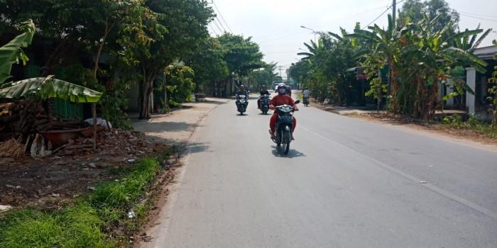 Chính chủ bán gấp 128m2 xã Hòa Phú , cách TL8 chỉ 120m .SHR