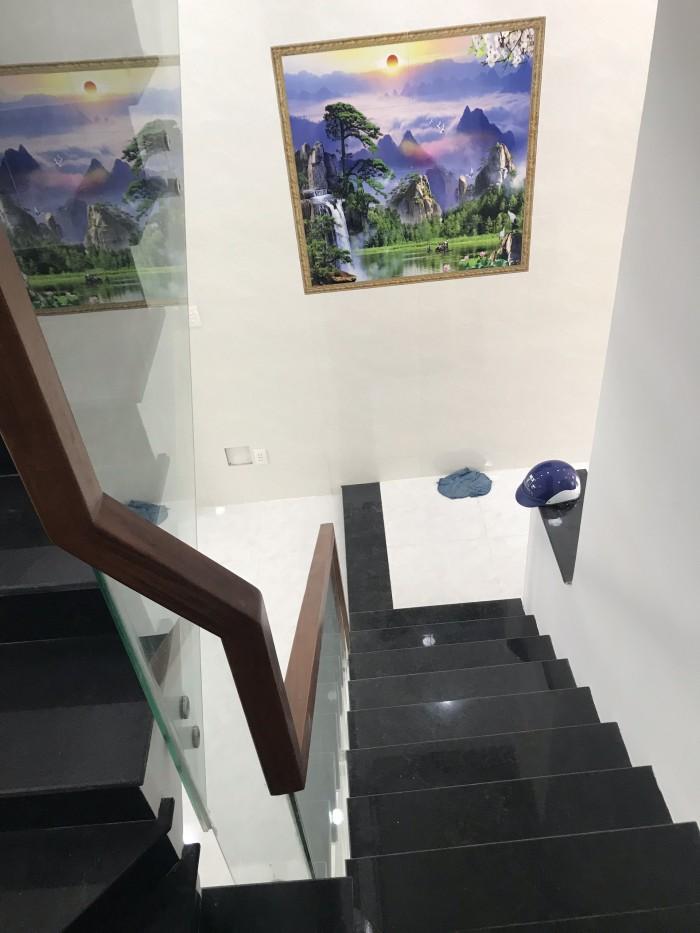 Cần Bán Nhà 2MT Hẻm Đường Mã Lò 4,3x14m . Bình Tân
