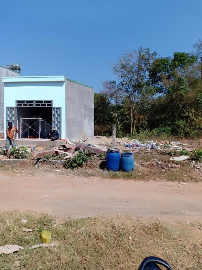 Bán đất chính chủ ngay gần trường cấp 3 Thái Hòa Tân Uyên