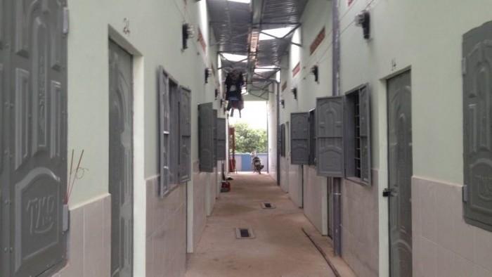 9. Dãy nhà trọ 10 phòng, 450m2, đường tỉnh lộ 10, Lê Minh Xuân, Bình Chánh.
