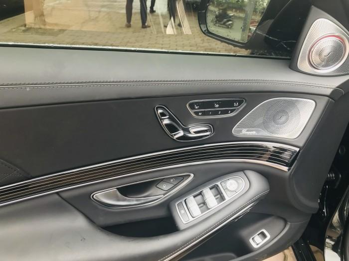 Maybach S600 nhập Đức,màu đen,Model 2016,đăng ký 2017,biển Hà Nội,lăn bánh 9000km.
