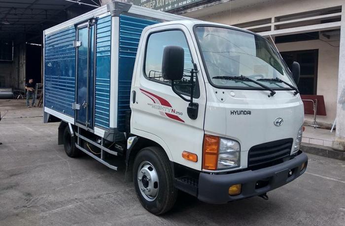 Xe tải hyundai n250 tải trọng 2,2 tấn, thùng dài 3m6, hỗ trợ trả góp đến 85%, nhiều quà tặng khuyến mãi hấp dẫn.