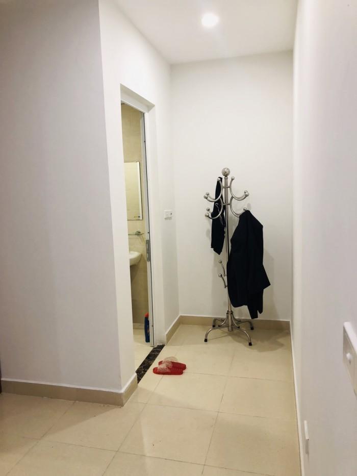 Cho thuê căn hộ chung cư đường Hoàng Quốc Việt, 117m2, full đồ