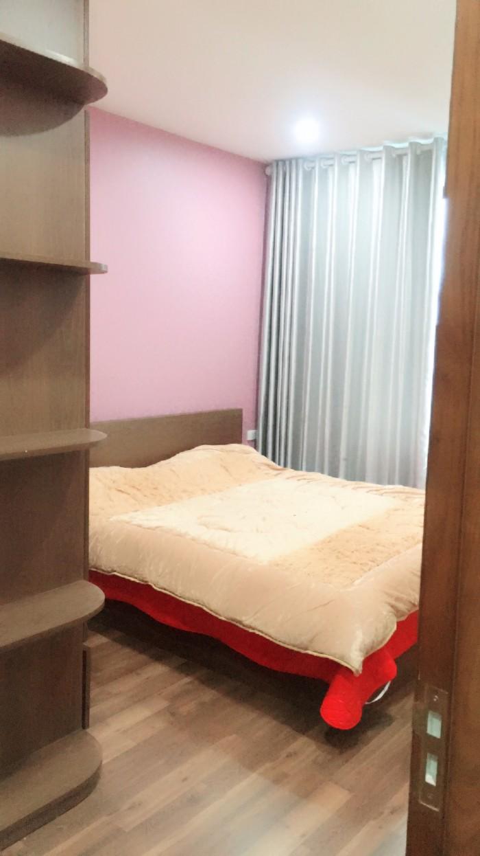 Căn hộ tại Goldmark city, 2 ngủ, ban công Đông Nam, full nội thất
