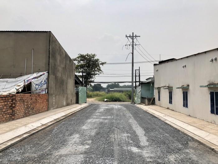Kẹt vốn bán gấp nền đất ngay chân cầu Xáng Hóc Môn, đường Võ Văn Bích, 80M2 SHR xây tự do