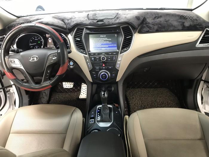 Bán Hyundai SantaFe 4WD máy xăng số tự động bản full 2 cầu sản xuất 2016 biển Sài Gòn 1 chủ