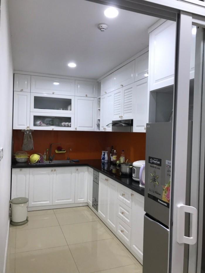 Cần bán gấp lại căn hộ 2 phòng ngủ, view nội khu, nhà vuông vắn
