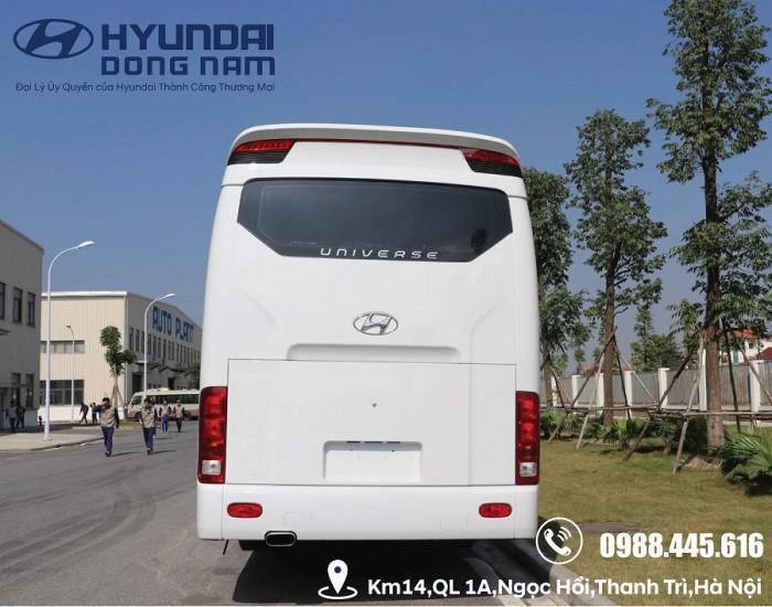 Xe khách Hyundai Universe 47 chỗ 2018