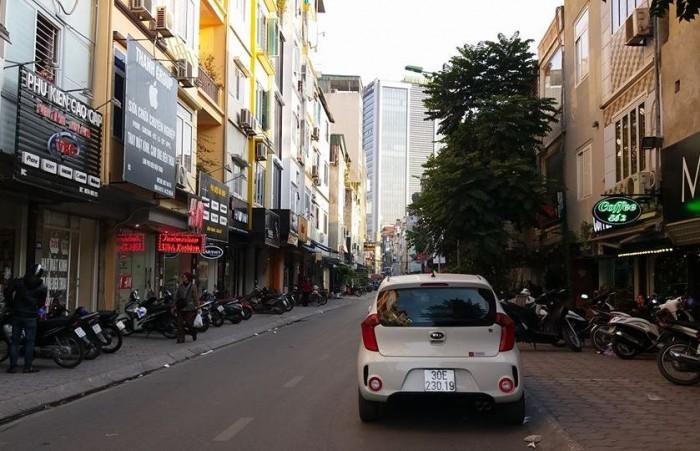 Nhà đẹp! Mặt phố Vũ Ngọc Phan. DT 55m2