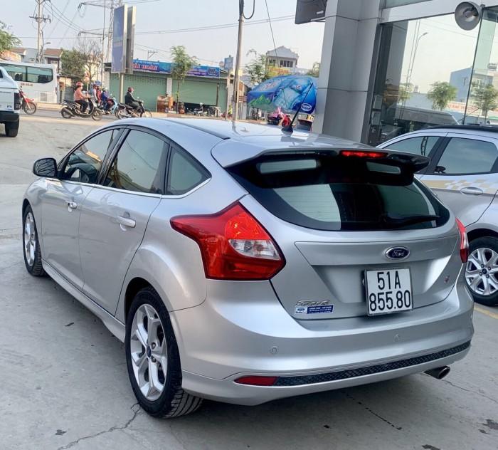 Bán Ford Focus 2.0L 05 cửa sx 2014(màu bạc)