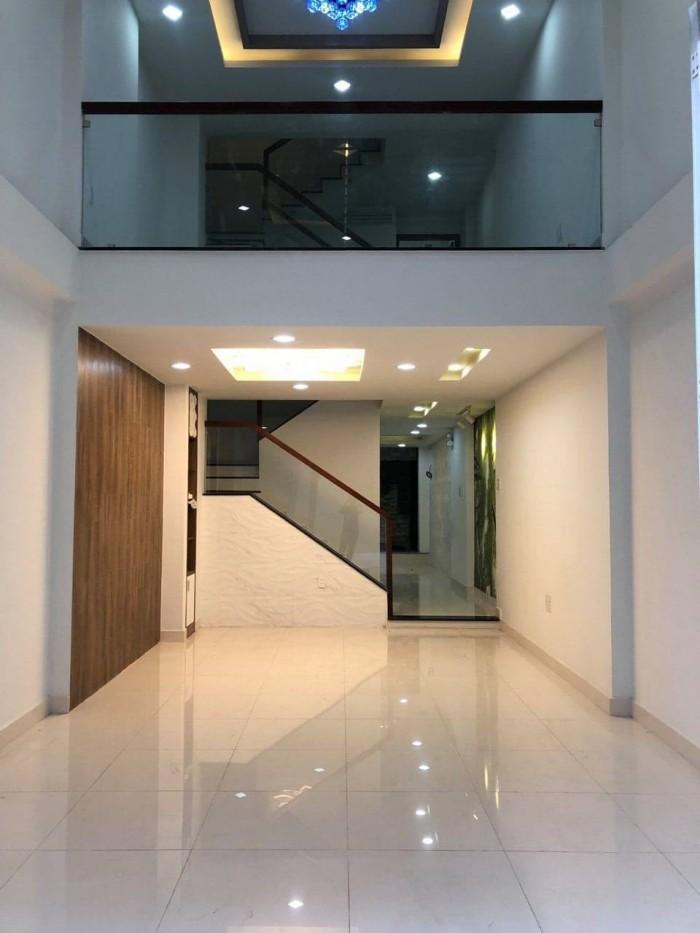 Có nhà, 3 lầu.Hẻm 8m. Hoàng Hoa Thám, Tân Bình. Nhà ga T3.