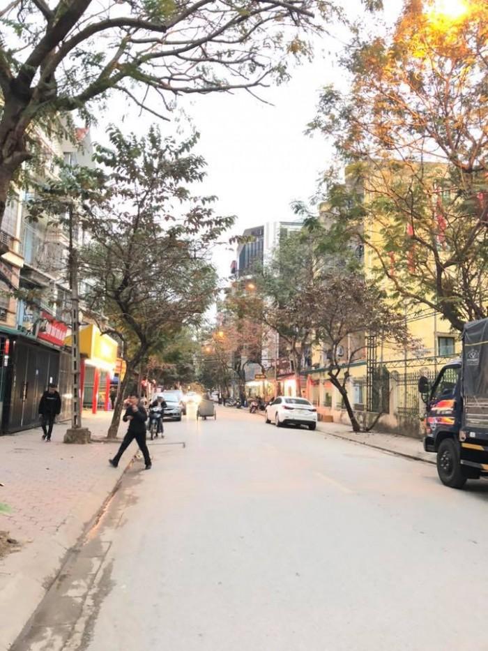 Bán nhà Trương Định, Hoàng Mai 150m2 C4, MT 6m, vỉa hè + ôtô tải tránh