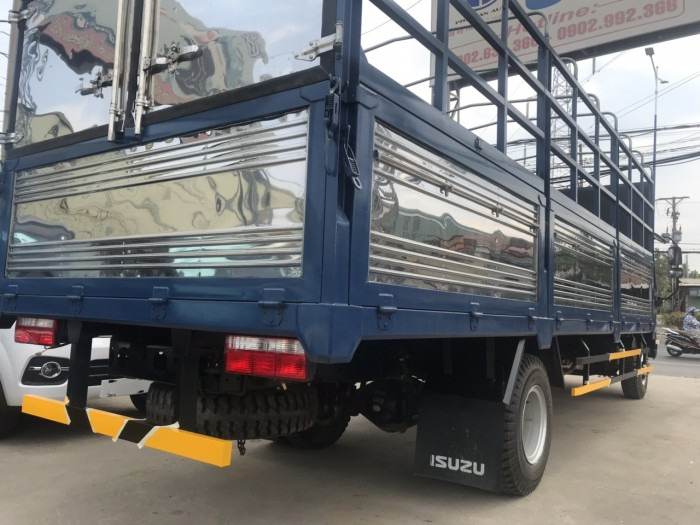 Hyundai 8 tấn – thùng hàng dài 6 mét 2 – ga cơ – máy khõe.