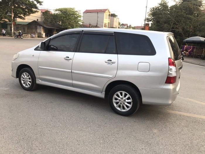 Cần bán Toyota Innova 2.0E năm sản xuất 2013, màu bạc. Xe k lỗi nhỏ! 5