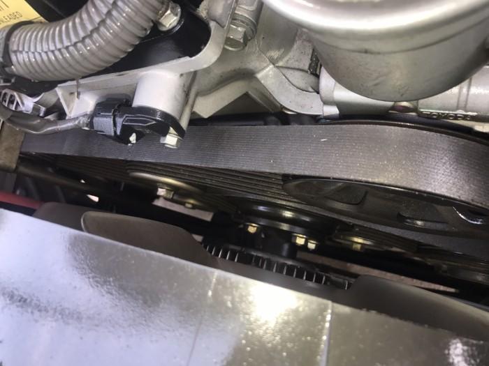 Cần bán Toyota Innova 2.0E năm sản xuất 2013, màu bạc. Xe k lỗi nhỏ! 4