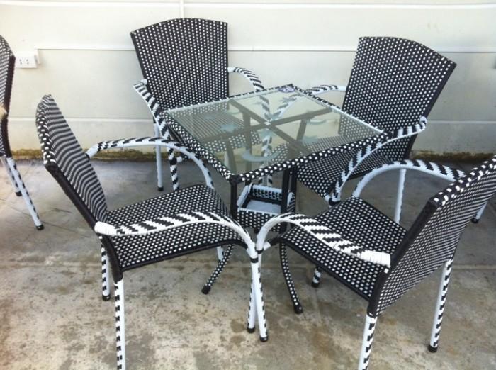 Bàn ghế cafe mây nhựa ô dù giá rẻ tại xưởng sản xuất HGH 914