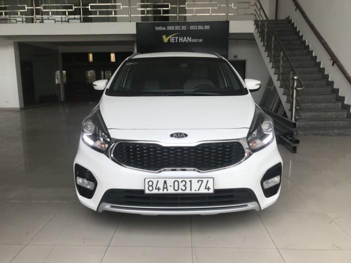 Bán Kia Rondo GAT 2.0AT màu trắng số tự động sản xuất 2017 biển tỉnh đi lướt 15000km