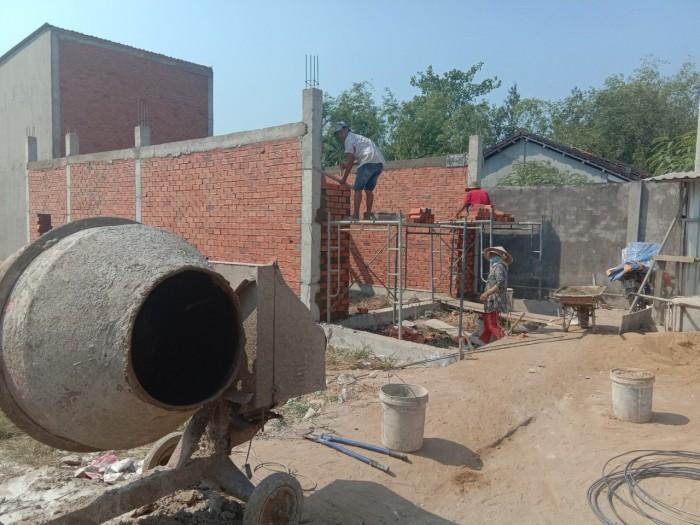 Nhà mới xây 1 trệt 1 lầu, 2PN 2WC đường qlộ 50ngay cầu mồng gà LH chủ nhà
