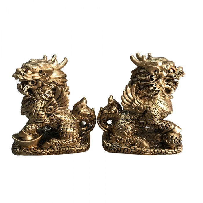 Cặp Tượng Đá Tỳ Hưu Phong Thủy 2 Sừng - Màu Nhũ Vàng - Kích thước: Dài 11cm x Rộng 7cm x Cao 12cm (kích thước 1 tượng). Giá : 350.000₫1