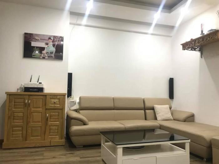 Bán gấp căn hộ Vp3 Linh Đàm,70m2.2 phòng ngủ, full nội thất, giá cực sốc.