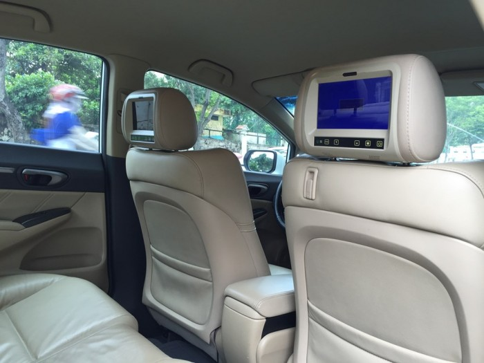 Bán Honda Civic 2009 tự động 1.8 trắng rất tuyệt vời