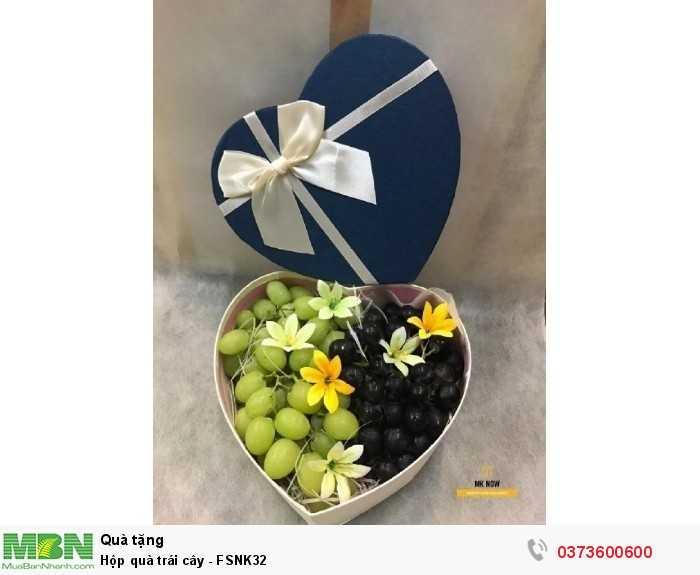 Hộp quà tặng valentine trái cây màu xanh