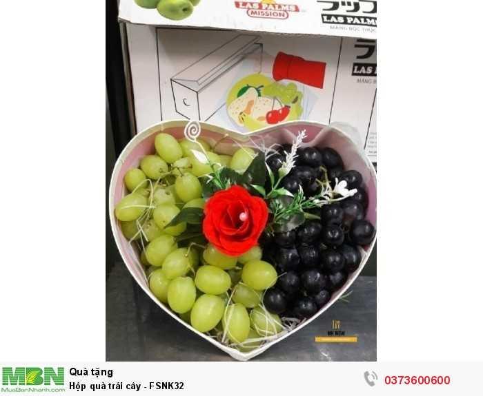 Đặt mua hộp quà trái cây TP.HCM - hộp trái cây hình trái tim