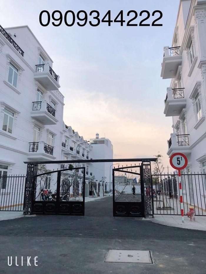Cho thuê nhà phố 1 trệt 3 lầu 4 phòng ngủ, 5wc, phòng thờ, sân ô tô diện tích 225m2