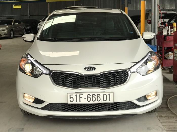 Bán Kia K3 2.0AT màu trắng số tự động sản xuất 2016 biển Sài Gòn đi 28000km