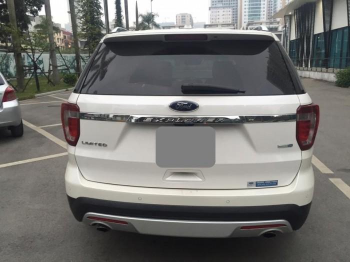 Bán Ford Explorer 2016 đk 2017 nhập khẩu màu trắng ít đi.