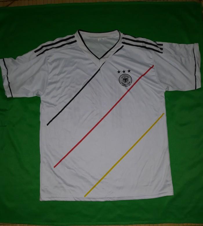 Áo bóng đá đội tuyển Đức và Chelsea1