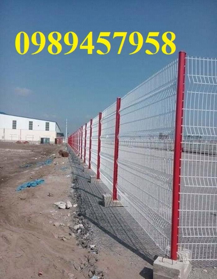 Sản xuất Hàng rào bẻ tam giác 2 đầu phi 4, phi 5 ô 50x100, 50x150, 50x200