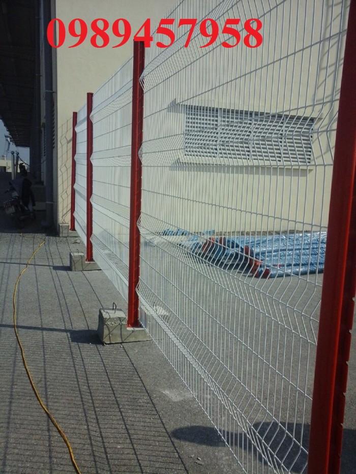 Hàng rào uốn sóng trên thân phi 5, phi 60