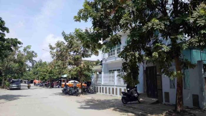 Bán biệt thự KDC Savimex, Phú Thuận, 6,5x20m, trệt, 3 lầu