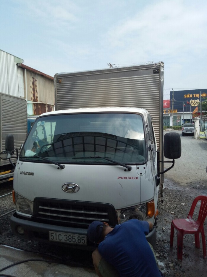 HD65 hạ tải thành phố sx 2014 thùng kín cũ