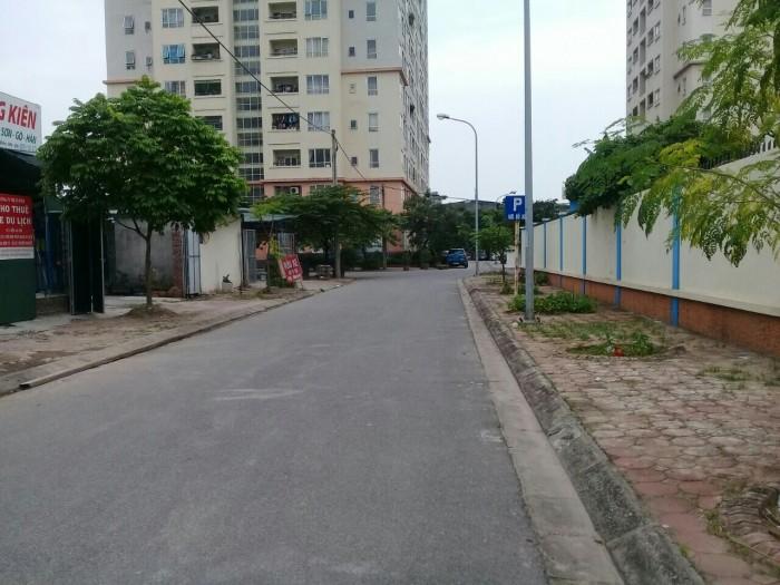 Bán đất mặt phố trạm, Long Biên, HN, DT 120M