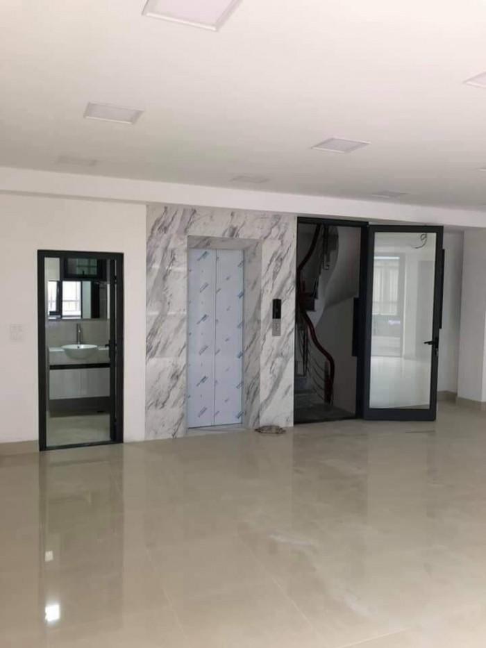 Cần bán nhà mp Hàng Mã 70m2 xây 7 tầng, mt 6m