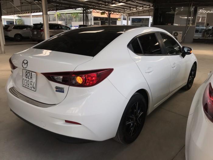 Bán Mazda 3 sedan 1.5AT màu trắng số tự động sản xuất 2015 mới 80%