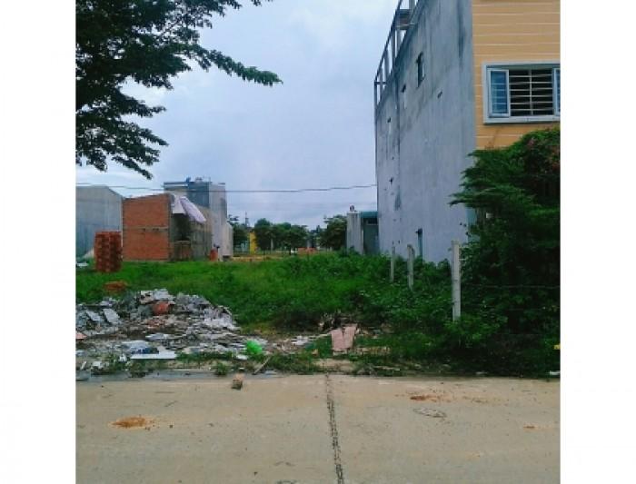 Vì vỡ nợ nên gia đình tôi cần bán gấp lô đất nằm trong khu dân cư đông đúc