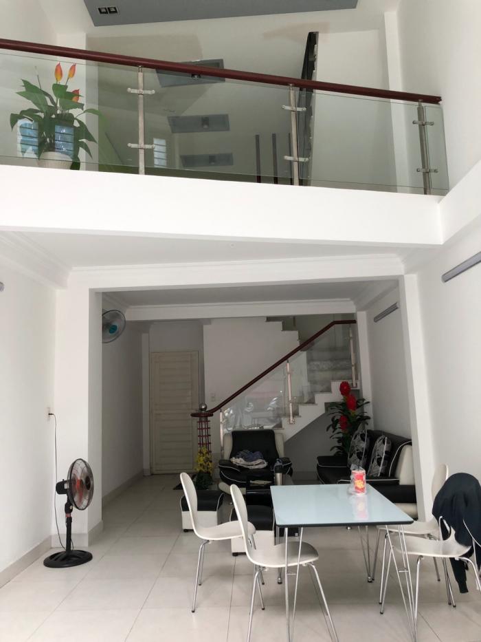Cho thuê nhà mới xây 4x12m MTĐ Sư Vạn Hạnh, P.10, Q.10
