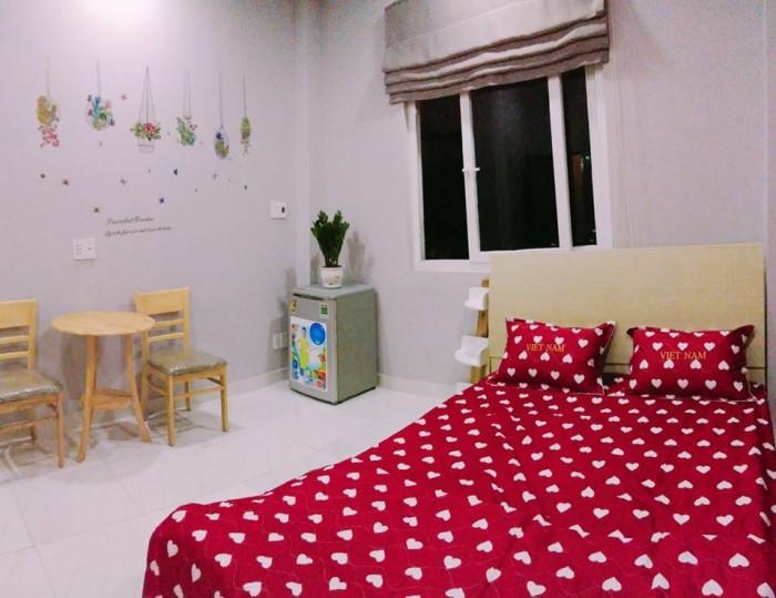 Cho thuê phòng nội thất_ có bếp, sân trồng cây Bình thạnh