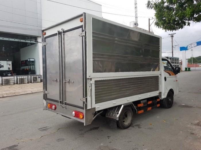 Xe Tải Hyundai 1.5 Tấn Thùng Kín Cánh Dơi - Chính Hãng Mới