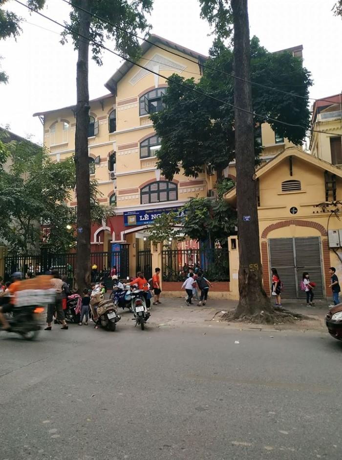 Bán nhà mặt phố Tăng Bạt Hổ trung tâm Thành phố, mặt tiền đẹp