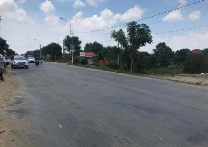 Bán 987m2, 687 thổ cư, MT Trịnh Quang Nghị. SHR ngay chợ Phú Lạc