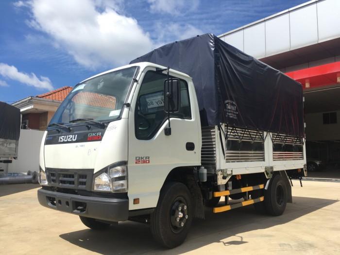 Xe tải Isuzu 2,5 tấn thùng mui bạt- QKR77FE4 0