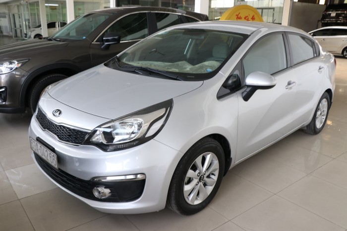 Bán Kia Rio sedan 1.4MT màu bạc số sàn nhập Hàn Quốc 2015 biển tỉnh đi 68000km
